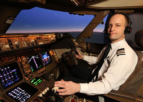 पायलट कैसे बने, How To Become A Pilot In Hindi, Pilot Kaise Bane, Pilot Kaise Bante Hai, Pilot Banne Ke liye kya kare, Nayichetana.com, Pilot Course Study