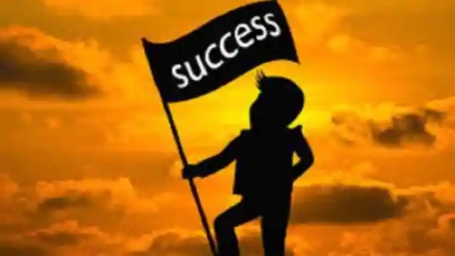 बड़ी सफलता के लिए खुद को बदल लो, Big Success Poetry In Hindi, nayichetana.com, safalta par kavita, success poem in hindi, safal insan par poem,poems in hindi